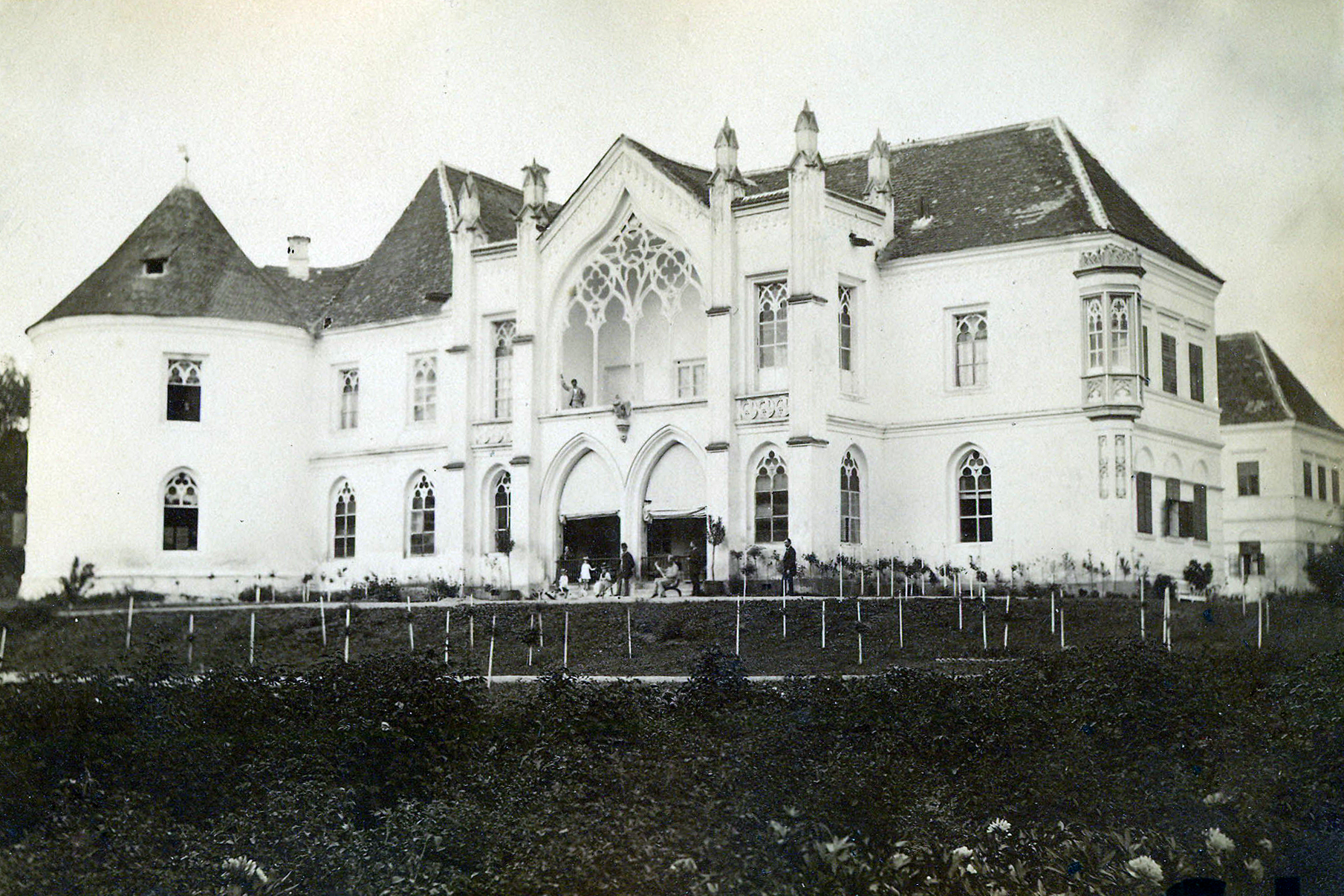 bontida-castle-in-1890